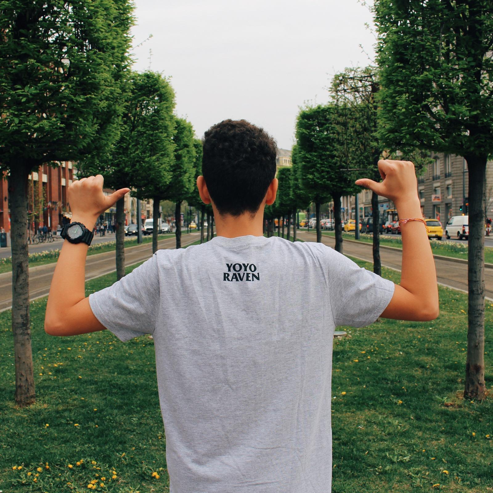 Kuro T-shirt Gray Back