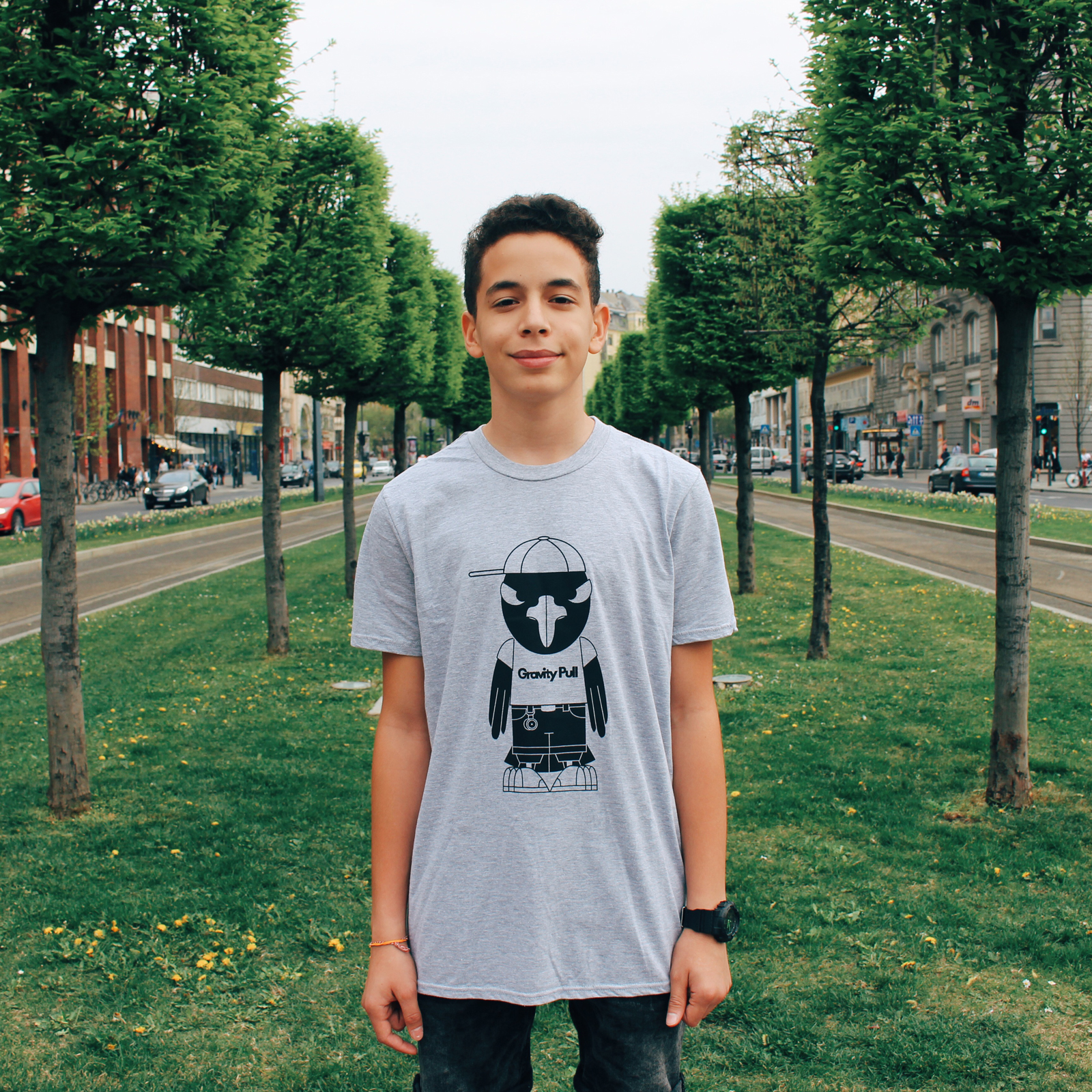 Kuro T-shirt Gray Front - Marko Jamalia