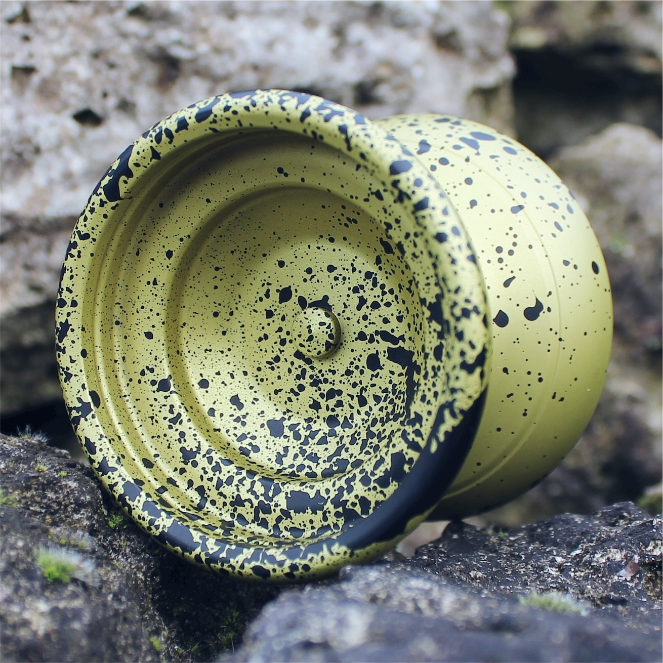 Yoyofficer Vector - Yellow w/ Black splash